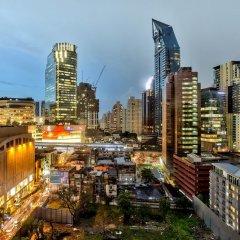 Отель Hilton Sukhumvit Bangkok Таиланд, Бангкок - отзывы, цены и фото номеров - забронировать отель Hilton Sukhumvit Bangkok онлайн балкон