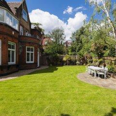 Отель Luxurious Hampstead Home with Gorgeous Garden фото 9