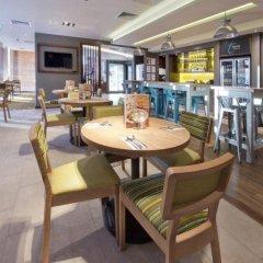 Отель Premier Inn London Lewisham гостиничный бар
