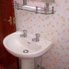 Отель Malik Continental Индия, Нью-Дели - отзывы, цены и фото номеров - забронировать отель Malik Continental онлайн ванная фото 2