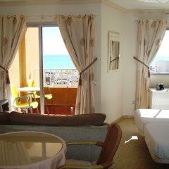 Отель Palm Beach Club комната для гостей