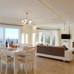 Villa Azalea Турция, Калкан - отзывы, цены и фото номеров - забронировать отель Villa Azalea онлайн комната для гостей