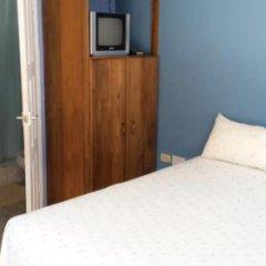 Отель Almond Lodge комната для гостей фото 4