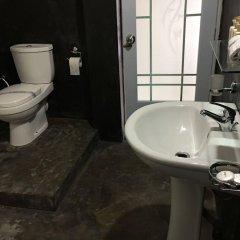 Отель The Saffron ванная