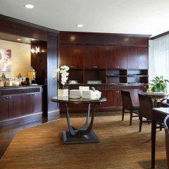 Отель Delta Hotels by Marriott Montreal Канада, Монреаль - отзывы, цены и фото номеров - забронировать отель Delta Hotels by Marriott Montreal онлайн интерьер отеля фото 3