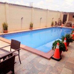 Отель Capital Inn Ibadan бассейн