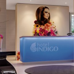 Отель Indigo Düsseldorf - Victoriaplatz Германия, Дюссельдорф - отзывы, цены и фото номеров - забронировать отель Indigo Düsseldorf - Victoriaplatz онлайн интерьер отеля