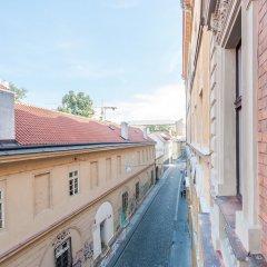 Отель Ostrovni Apartment Чехия, Прага - отзывы, цены и фото номеров - забронировать отель Ostrovni Apartment онлайн бассейн