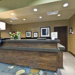 Отель Hampton Inn & Suites Columbia/Southeast-Fort Jackson интерьер отеля