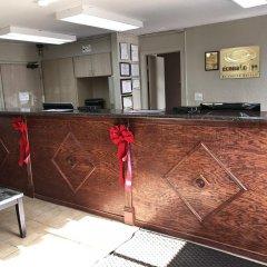 Отель Econo Lodge Saint Louis США, Сент-Луис - отзывы, цены и фото номеров - забронировать отель Econo Lodge Saint Louis онлайн интерьер отеля фото 2