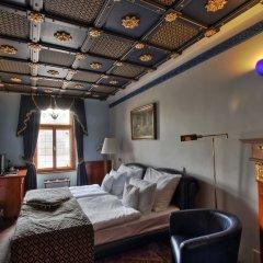 Отель U Pava Прага развлечения