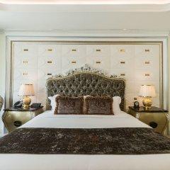 Отель LK Emerald Beach сейф в номере