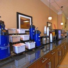 Отель Best Western Capital Beltway Ленхем питание