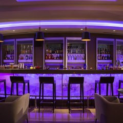 Renaissance Izmir Hotel бассейн фото 2
