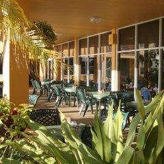 Отель Dolphin Beach Resort питание