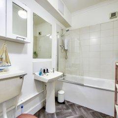 Отель Spacious 2BR Home in New Town Великобритания, Эдинбург - отзывы, цены и фото номеров - забронировать отель Spacious 2BR Home in New Town онлайн ванная