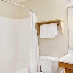 Отель WoodSpring Suites Columbus North I-270 США, Колумбус - отзывы, цены и фото номеров - забронировать отель WoodSpring Suites Columbus North I-270 онлайн ванная