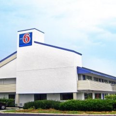 Отель Motel 6 Columbus Osu North Колумбус парковка