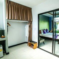 Отель Himaphan Boutique Resort сейф в номере