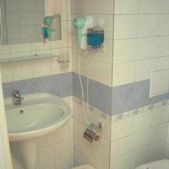 Отель Fresh Family Hotel Болгария, Равда - отзывы, цены и фото номеров - забронировать отель Fresh Family Hotel онлайн ванная