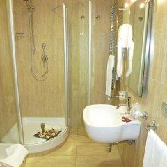 Отель Euro House Rome Airport Италия, Фьюмичино - 1 отзыв об отеле, цены и фото номеров - забронировать отель Euro House Rome Airport онлайн ванная