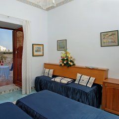 Отель La Bussola Италия, Амальфи - 1 отзыв об отеле, цены и фото номеров - забронировать отель La Bussola онлайн комната для гостей