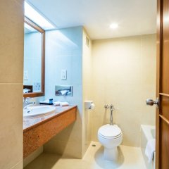 Отель Cholchan Pattaya Beach Resort ванная
