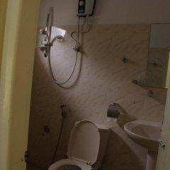 Отель French Garden Tourist Rest Анурадхапура ванная фото 2