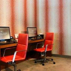 Отель Crowne Plaza JFK Airport США, Нью-Йорк - отзывы, цены и фото номеров - забронировать отель Crowne Plaza JFK Airport онлайн удобства в номере фото 2