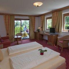 Отель Aparthotel Bergland Австрия, Зёлль - отзывы, цены и фото номеров - забронировать отель Aparthotel Bergland онлайн комната для гостей
