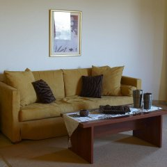 Parnis Palace Hotel Suites комната для гостей