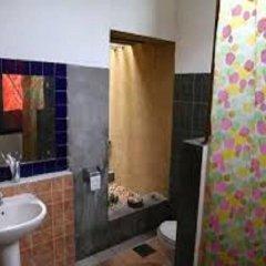 Отель Yala First Hostel Шри-Ланка, Тиссамахарама - отзывы, цены и фото номеров - забронировать отель Yala First Hostel онлайн ванная