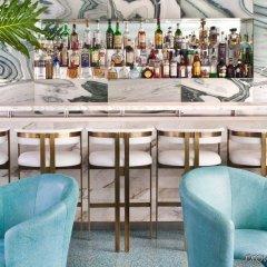 Отель Avalon Hotel Beverly Hills США, Беверли Хиллс - отзывы, цены и фото номеров - забронировать отель Avalon Hotel Beverly Hills онлайн гостиничный бар