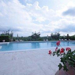 Отель Tenuta Decimo - Villa Dini Италия, Сан-Джиминьяно - отзывы, цены и фото номеров - забронировать отель Tenuta Decimo - Villa Dini онлайн бассейн фото 3