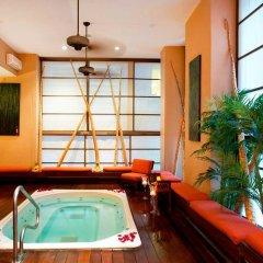 Отель Executive Hotel Cosmopolitan Toronto Канада, Торонто - отзывы, цены и фото номеров - забронировать отель Executive Hotel Cosmopolitan Toronto онлайн бассейн фото 3