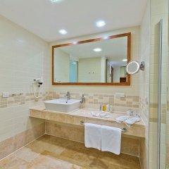 Liberty Hotels Lykia Турция, Олудениз - отзывы, цены и фото номеров - забронировать отель Liberty Hotels Lykia - All Inclusive онлайн ванная фото 2