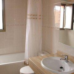 Отель Ull de Bou Испания, Льорет-де-Мар - отзывы, цены и фото номеров - забронировать отель Ull de Bou онлайн ванная