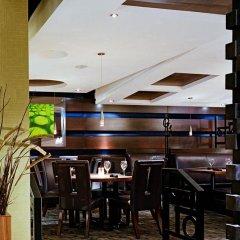 Отель Sandman Suites Vancouver on Davie Канада, Ванкувер - отзывы, цены и фото номеров - забронировать отель Sandman Suites Vancouver on Davie онлайн питание фото 2