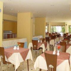 Luna Beach Deluxe Hotel Турция, Мармарис - отзывы, цены и фото номеров - забронировать отель Luna Beach Deluxe Hotel онлайн питание