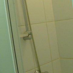 Отель Appart-hotel Maison de la Lune - petite Auberge d'Etterbeek Бельгия, Брюссель - отзывы, цены и фото номеров - забронировать отель Appart-hotel Maison de la Lune - petite Auberge d'Etterbeek онлайн ванная