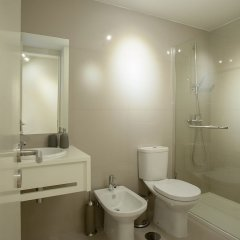 Апартаменты Liiiving in Porto Downtown Terrace Apartment ванная фото 2