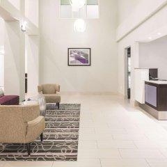 Отель La Quinta Inn & Suites New York City Central Park интерьер отеля