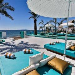 Отель Dorado Ibiza Suites - Adults Only Испания, Сант Джордин де Сес Салинес - отзывы, цены и фото номеров - забронировать отель Dorado Ibiza Suites - Adults Only онлайн бассейн фото 3