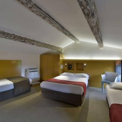 Отель Auberge de la Commanderie Франция, Сент-Эмильон - отзывы, цены и фото номеров - забронировать отель Auberge de la Commanderie онлайн комната для гостей фото 4
