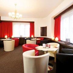 Отель Pension Union Сланы гостиничный бар