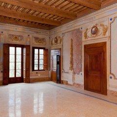 Отель San Ruffino Resort Италия, Лари - отзывы, цены и фото номеров - забронировать отель San Ruffino Resort онлайн интерьер отеля