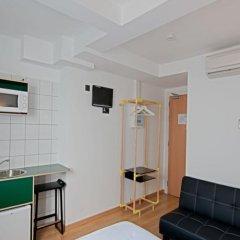 Отель Hostal Athenas в номере фото 3