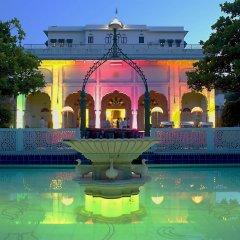 Hotel Diggi Palace бассейн
