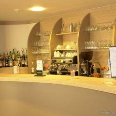Brit Hotel Rennes St Grégoire - Le Villeneuve гостиничный бар
