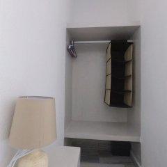Отель Anny Studios Perissa Beach сейф в номере
